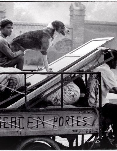 Francisco Ontañón. Se acen portes. Barcelona, 1955<br/>Gelatina de plata sobre papel baritado / Gelatin silver on baryta paper